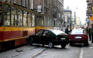 上班途中出车祸
