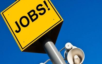 老板拖欠暑假工工资违法吗