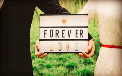 结婚证照片可以自带
