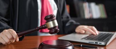 关于抵押财产价值减少时抵押权人的保护措施的规定