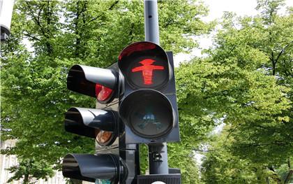 机动车闯红灯怎么处罚