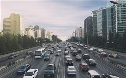 汽车租赁行业的风险与优势