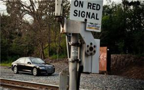 无证驾驶机动车致人死亡属于交通肇事罪吗
